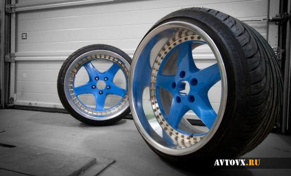 Красивые диски синего цвета
