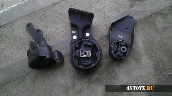 Замена подушки двигателя автомобиля ВАЗ 2114