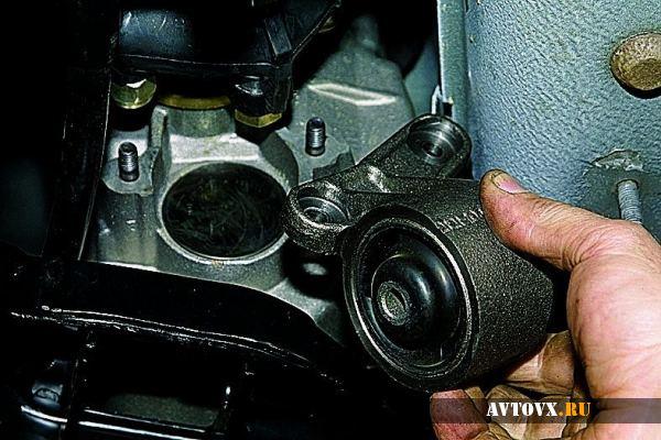 Установка подушки двигателя ВАЗ 2110