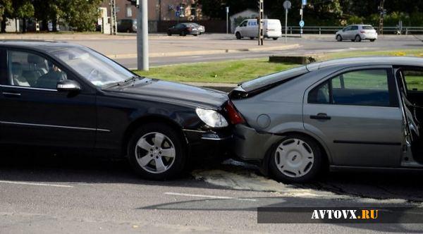 Не стоит покидать место аварии до приезда ГАИ