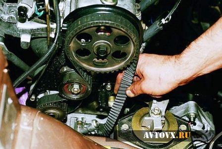 Ремень генератора натяжение в ВАЗ 2110