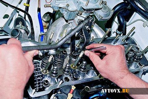 Замена маслосъемных колпачков на ВАЗ шестой серии