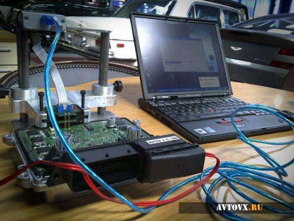 Необходимы некоторые провода, датчики и программа для чипирования