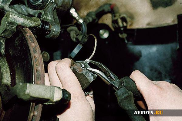Демонтаж тормозных колодок ВАЗ 2110