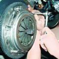 Замена сцепления в автомобиле ВАЗ 2106 своими руками фото