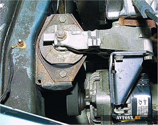 Дополнительная опора двигателя ВАЗ 2110