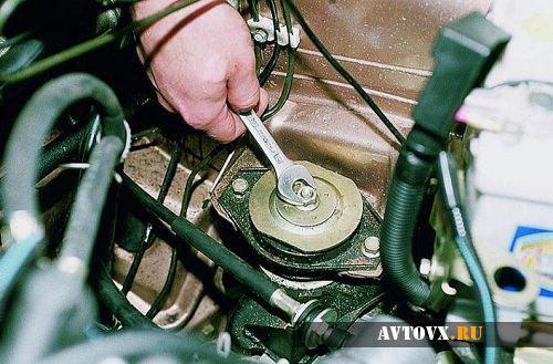 Замена подушек двигателя ВАЗ 2110