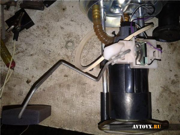 Датчик уровня топлива установка в ВАЗ 2110