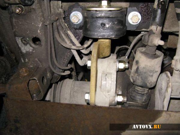 Подушка двигателя ВАЗ 2110