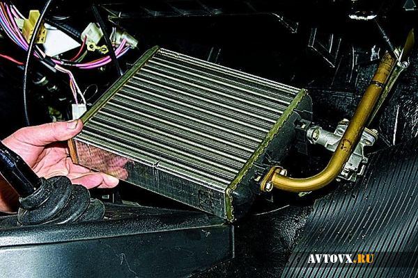 Установка радиатора отопителя ВАЗ 2110