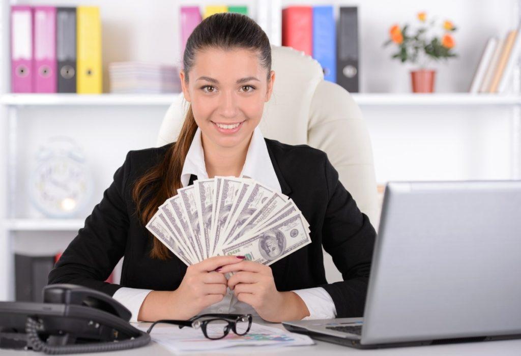 Как страховой агент ОСАГО зарабатывает на продаже полисов фото