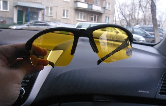 Зачем очки для автомобилистов? фото